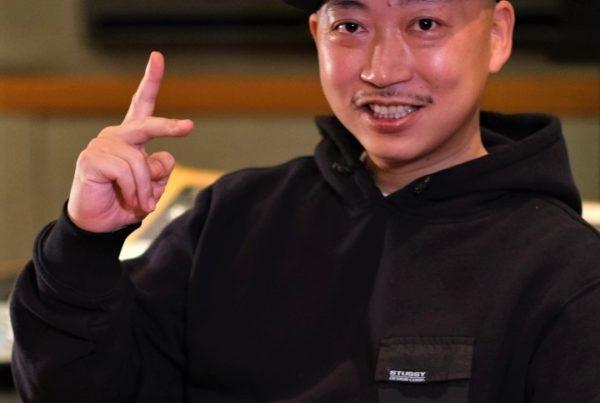 DJ SPACE KID dans le studio MSR à Shibuya